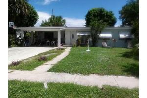 1436 Lakeview Dr, Lake Worth, FL 33461
