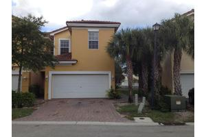 966 Pipers Cay Dr, West Palm Beach, FL 33415
