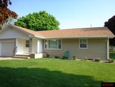 420 Sky View Ave, Lafayette, MN 56054