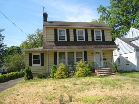 219 Willow Ave Ext, North Plainfield, NJ 07063