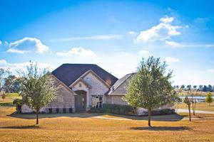 16541 Stallion Shores Ct, Lindale, TX 75771