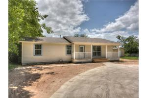 703 W Quinn St, Thorndale, TX 76577