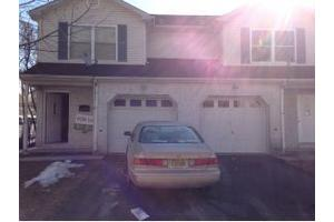 14 Somerset St, Carteret, NJ 07008