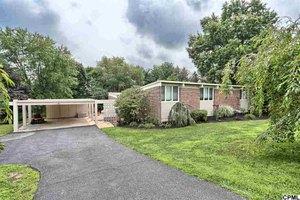 1713 Mitchell Rd, Harrisburg, PA 17110