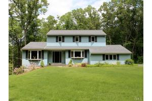 37 Forty Acre Mountain Rd, Danbury, CT 06811