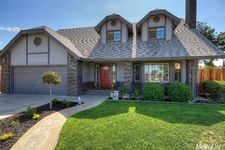 12024 Acosta Ct, Waterford, CA 95386