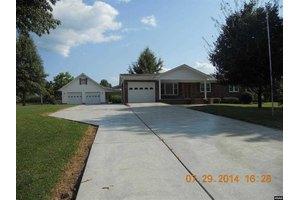 206 Vaughn Rd, Martin, TN 38237