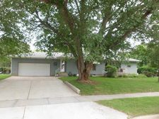 621 W 12th Ave, Mitchell, SD 57301