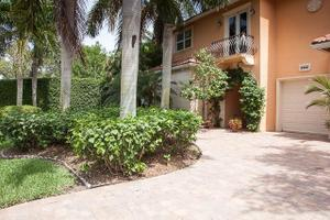 2342 Holly Ln, Palm Beach Gardens, FL 33410