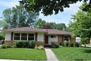 6 S Phelps Ave, Arlington Heights, IL 60004