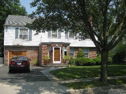350 Church Ave Woodmere, NY 11598
