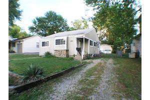 1915 S Norton Ave, Independence, MO 64052