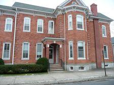 16 Walnut St, Milton, PA 17847