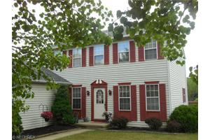 9738 Grist Mill Run, Olmsted Falls, OH 44138