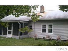 107 Hamilton Pl, Wallkill, NY 12589