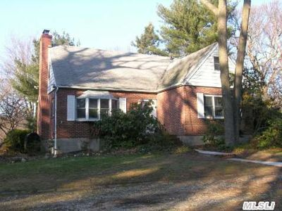 74 Sunken Meadow Rd, Fort Salonga, NY