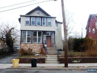 90 Slocum Ave, Englewood, NJ