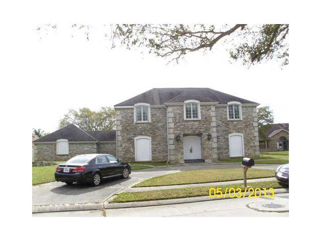 11120 Winchester Park Dr, New Orleans, LA 70128