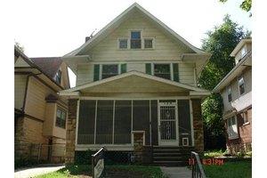 126 Kensington Ave, Kansas City, MO 64123