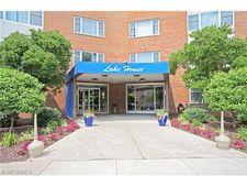 11850 Edgewater Dr Apt 525, Lakewood, OH 44107