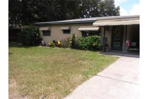 110 Bennett St, Auburndale, FL 33823