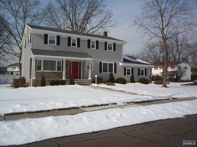 46 Dietz Ct, New Milford, NJ