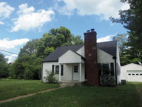 207 S 3rd St, Centerville, IN 47330