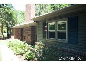 11 Pine Tree Rd, Asheville, NC 28804
