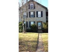 74 Chestnut St Apt 2, Southbridge, MA 01550
