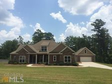 38 Misty Creek Cv, Newnan, GA 30265