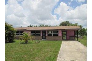 279 NE Floresta Dr, Port Saint Lucie, FL 34983