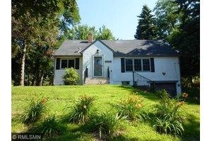 1617 Upper Afton Rd, Saint Paul, MN 55106