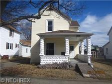 201 16th St Nw, Barberton, OH 44203