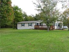 1902 Middle Rd, Pierpont, OH 44082