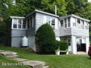 39 Ashmere Dr, Hinsdale, MA 01235