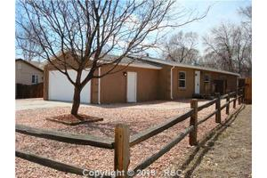 1734 Bula Dr, Colorado Springs, CO 80915