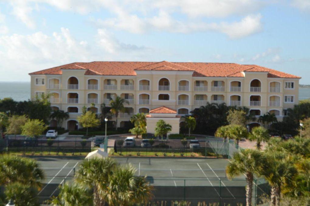 15 Harbour Isle Dr W # 1, Fort Pierce, FL 34949