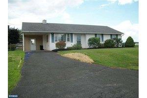634 Arlington St, East Greenville, PA 18041