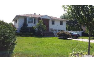 7 Purdy Ave, East Northport, NY 11731