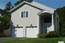 11 Oxford Ct, Wheatley Heights, NY 11798