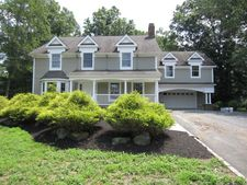 840 Valley Rd, Watchung Boro, NJ 07069