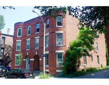 17 Perry St Unit 3, Brookline, MA 02445