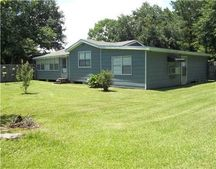 5109 Moorwood Dr, Moss Point, MS 39562