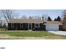 15 Connies Dr, Coatesville, PA 19320