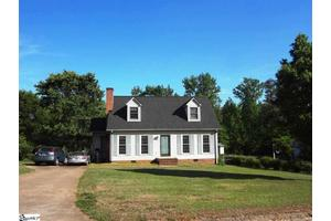 14 E Mill Ct, Taylors, SC 29687