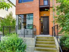1664 Nw Riverscape St, Portland, OR 97209