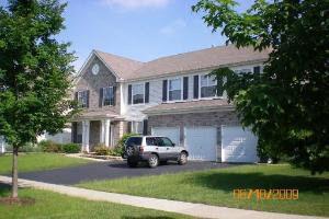 813 Lindsey Ln, Bolingbrook, IL