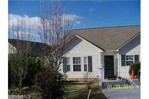 126 Crestwood Cir, High Point, NC 27260
