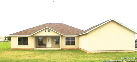 120 Rock Dove Dr, Lytle, TX 78052