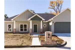 148 Oak Meadow Ln, Lufkin, TX 75904